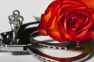 handcuffs_rose